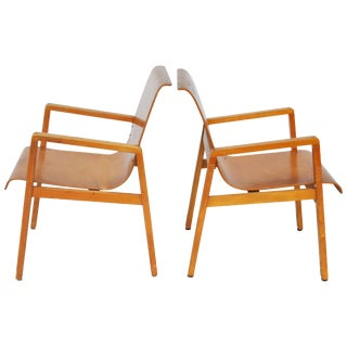 Vintage Pair of Hallway 403 Chairs by Alvar Aalto For Sale