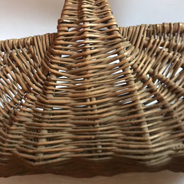 Mid 19th Century Antique Willow Reed Buttocks Basket For Sale In New York - Image 6 of 9
