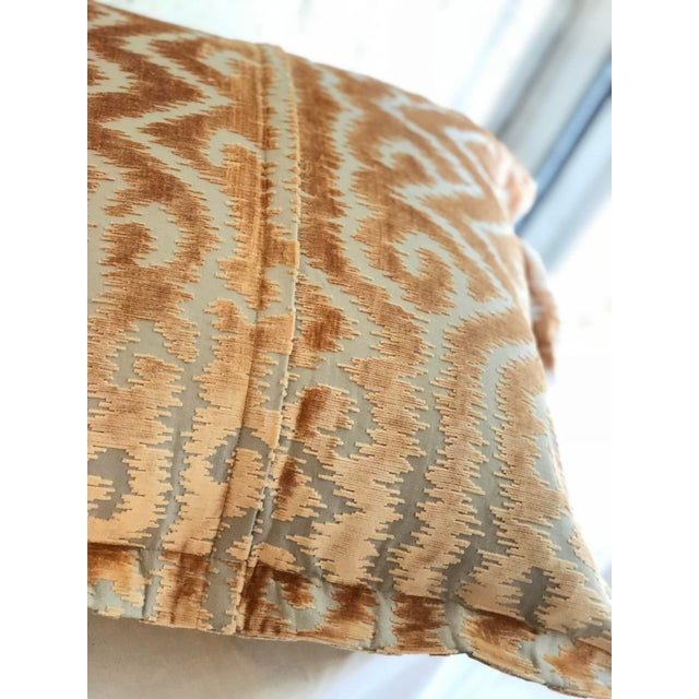"""Blush 24"""" Taupe and Blush Cut Velvet Pillows by Jim Thompson - a Pair For Sale - Image 8 of 10"""