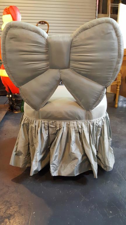 Superbe Bow Backrest Upholstered Slipper Or Vanity Chair   Image 4 Of 8