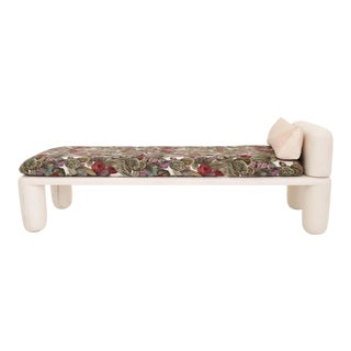 Chubby Leg Day Bed For Sale