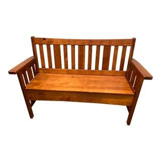 1990s Vintage Pine Shaker or Arts & Crafts Bench For Sale