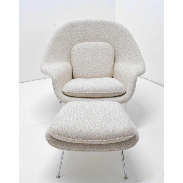 Mid-Century Modern Eero Saarinen for Knoll Womb Chair and Ottoman For Sale - Image 3 of 9