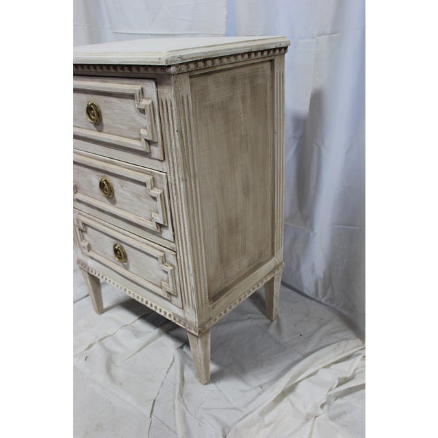 Oak 20th Century Swedish Gustavian 3-Drawer Nightstands - a Pair For Sale - Image 7 of 9
