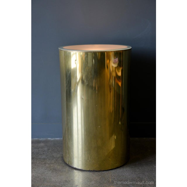 Artisan House 1980s Vintage Curtis Jere for Artisan House Illuminated Brass Pedestal Stand For Sale - Image 4 of 12