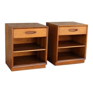 1960s Vintage Henredon Night Stands - a Pair For Sale