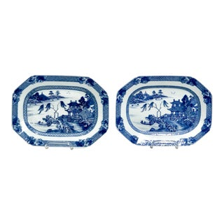 Pair of Octagonal Platters, China 18th Century For Sale