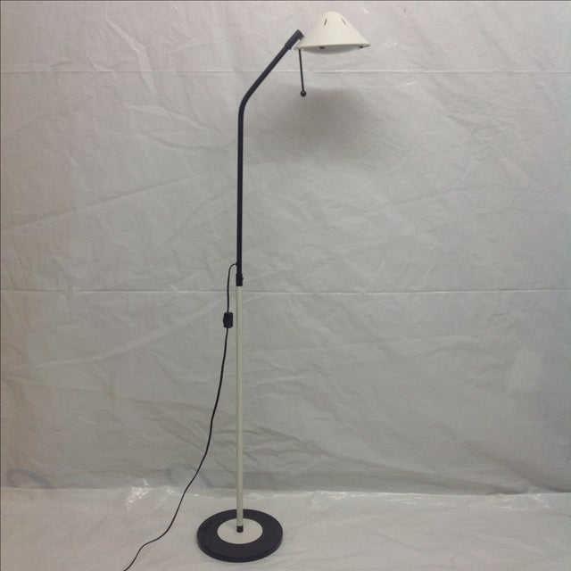 Modern black & white floor lamp with bullet shade. We always accept reasonable offers, make an offer before it's gone...