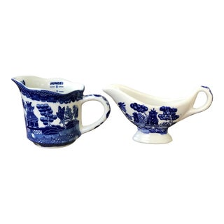 Blue Willow Measuring Cup and Mini Gravy Boat - a Pair For Sale
