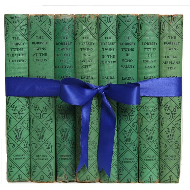 Traditional Vintage Book Gift Set: The Bobbsey Twins, S/8 For Sale - Image 3 of 6