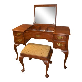 Vintage Henkel-Harris Queen Anne Solid Cherry Vanity Desk W/Bench Set For Sale