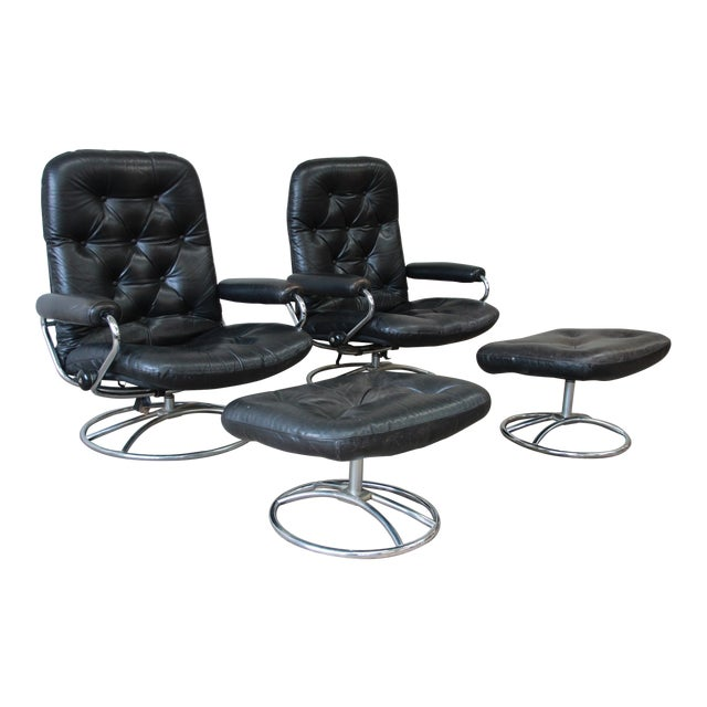 Vintage Black Leather Ekornes Stressless Lounge Chairs & Ottomans - a Pair For Sale
