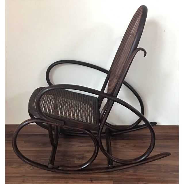 Wood Midcentury Elegant Rattan Pair of Rocking Chairs in the Thonet Style For Sale - Image 7 of 10