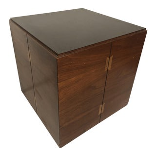 Mid-Century Modern Lane Walnut Cube Side Table For Sale