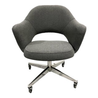 Eero Saarinen for Knoll Executive Armchair in Gray Wool For Sale