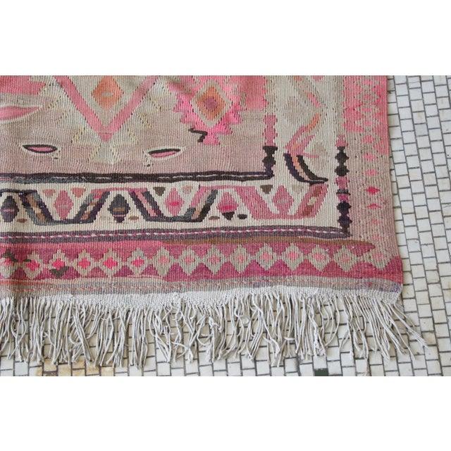 "Pink Kilim Flat Weave Rug- 5' x 9'4"" - Image 7 of 9"