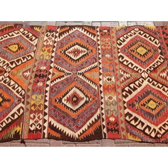"Vintage Turkish Kilim Rug - 3'11"" x 9'8"" For Sale - Image 4 of 6"