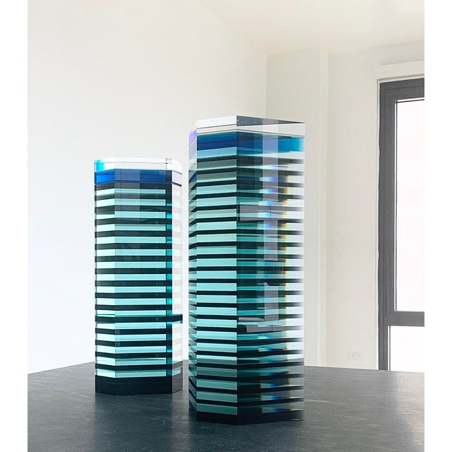"""1980s 1980s Patrick Curran Art Glass Sculptures, """"Linear Towers"""" - a Pair For Sale - Image 5 of 7"""
