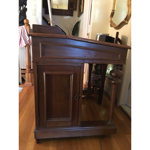 19th Century Victorian Walnut Davenport Desk For Sale In New York - Image 6 of 8