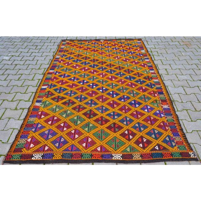 Traditional Handwoven Turkish Kilim Rug. Traditional Oushak Area Rug Braided Kilim - 5′6″ X 8′6″ For Sale - Image 3 of 10