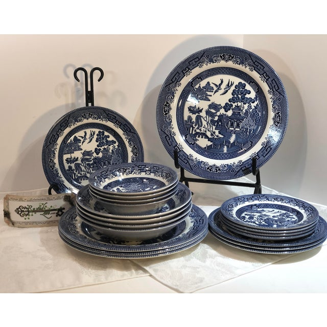Traditional English Churchill Blue Willow Dinner, Bread, Salad Plates, Soup, Cereal Bowls - 20 Pieces For Sale - Image 10 of 13