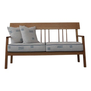 Tranquilo Loveseat in White Oak with Spindle Back For Sale