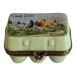 1970s Cottage Limoges Parry Vieille Egg Carton with Surprise Eggs Trinket Box For Sale