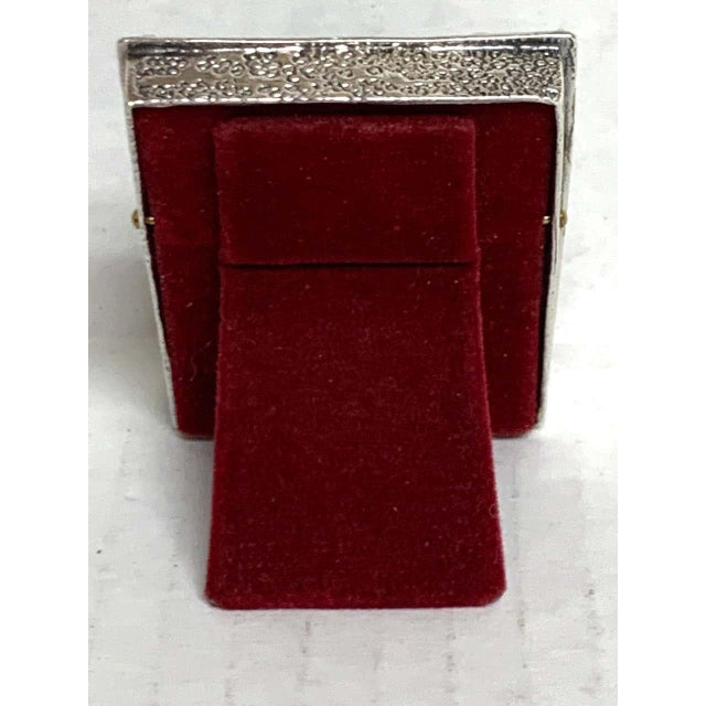 """English sterling duck motif small frame, Birmingham, 1985, heavy casting, holds a 1.25""""x 1.75"""" oval photo. 2 troy ounces."""
