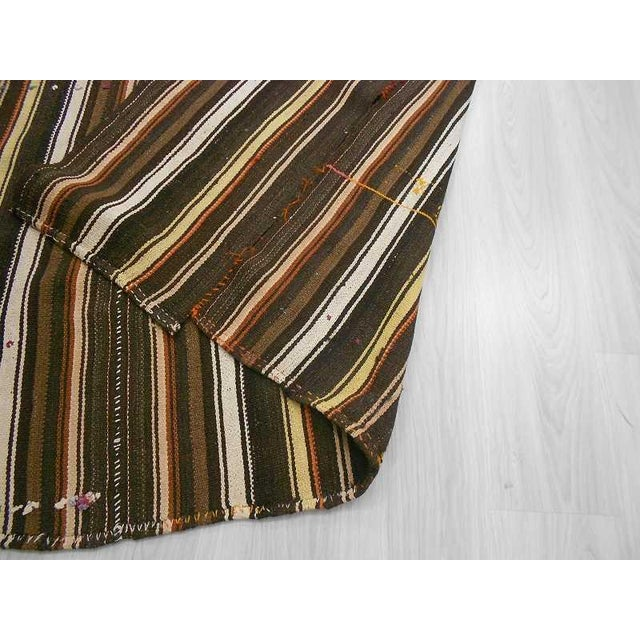 Vintage Turkish Kilim Handwoven natural Striped Rug - 5′5″ × 13′5″ For Sale In Los Angeles - Image 6 of 6