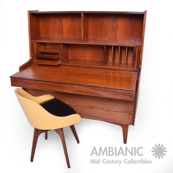 1960s Danish Mid-Century Modern Teak Secretary Desk / Vanity Hjerm Mobelfabrik For Sale - Image 5 of 9
