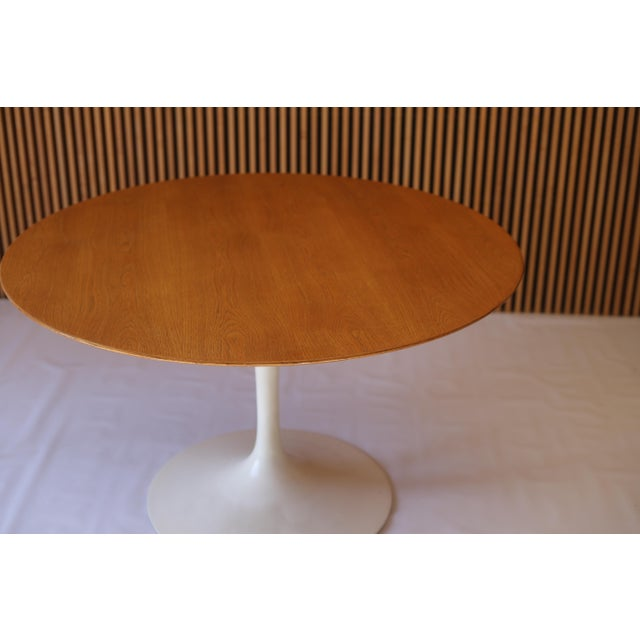 Original And Early Eero Saarinen Tulip Dining Table For Knoll - Original tulip table