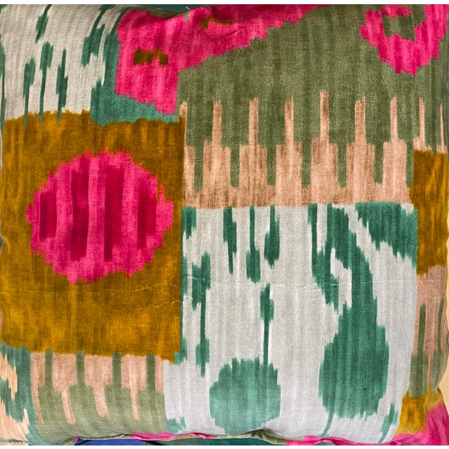 """Pierre Frey """"Bella Coola"""" Acid/Lime 22"""" Pillows-A Pair For Sale In Greensboro - Image 6 of 7"""