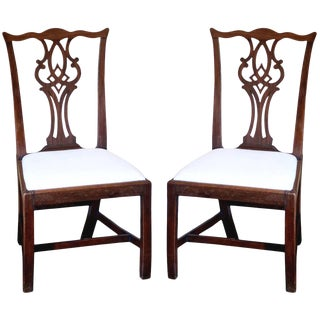 Pair of Mid-18th Century Chippendale Side Chairs For Sale