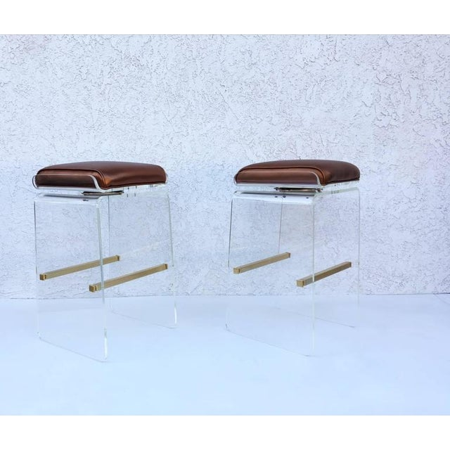 Acrylic Swivel Acrylic and Brushed Brass Barstools by Charles H. Jones - Set of 4 For Sale - Image 7 of 8