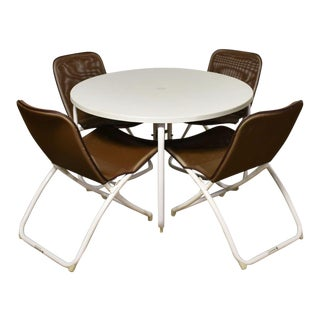 Mid Century Modern Samsonite Round Patio Dining Table and 4 Folding Sling Chairs For Sale