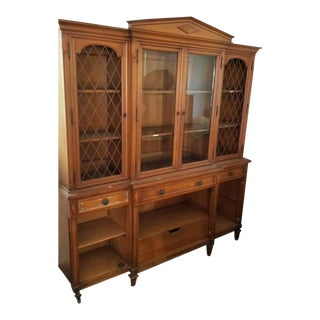 Early 20th Century American Traditional 2 Piece Hutch For Sale