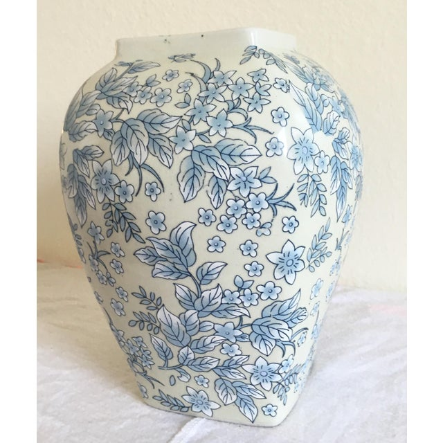 Tall Vintage White & Blue Floral Oriental Vase - Image 5 of 8