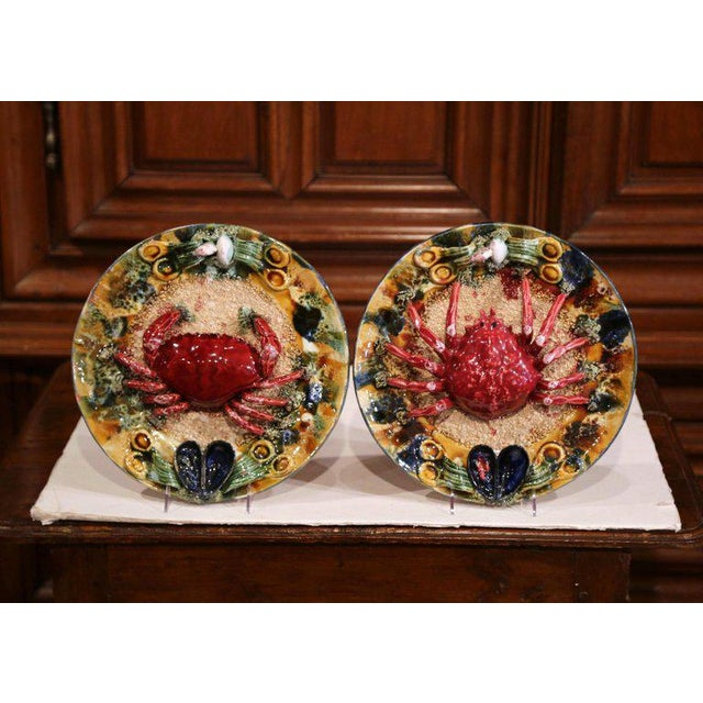 Blue Pair of Mid-20th Century French Barbotine Wall Platters With Crabs From Brittany For Sale - Image 8 of 8