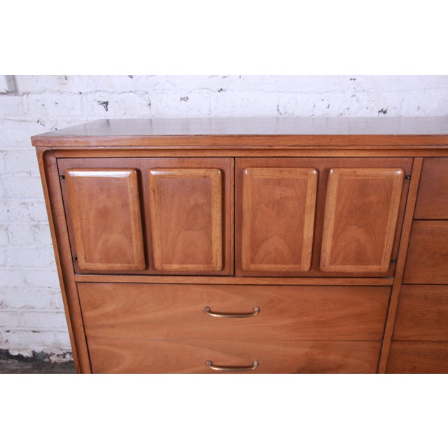 Wood Broyhill Premier Mid-Century Modern Magna Gentleman's Chest For Sale - Image 7 of 12