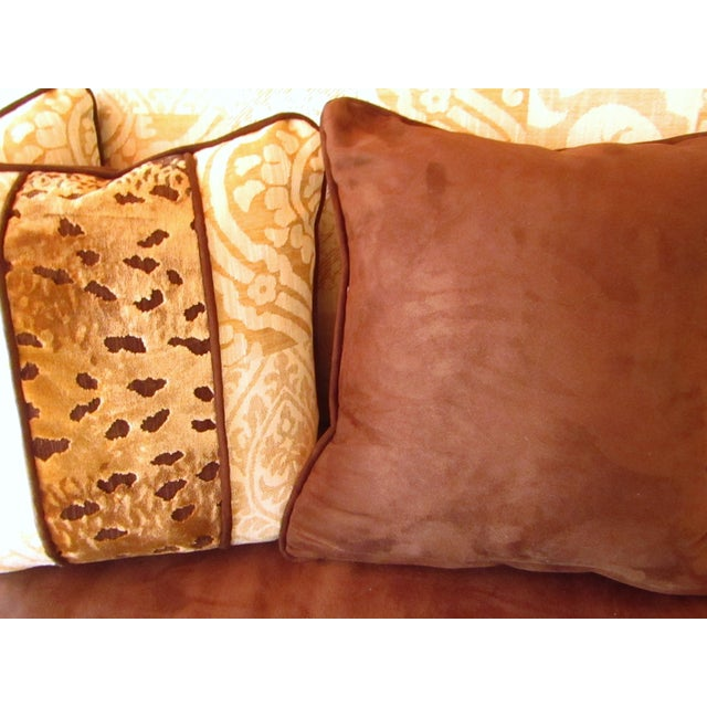 Contemporary Contemporary Southwood Damask and Chenille Leopard Print Settee with Pillows - 3 Pieces For Sale - Image 3 of 12