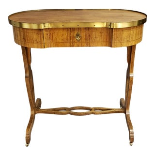 Vintage Regency Baker Oval Kidney Shaped Side Accent Table For Sale