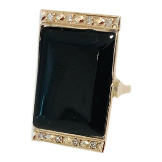 1920s Art Deco Diamond, Onyx and Gold Tablet Ring Sz 6.5 For Sale