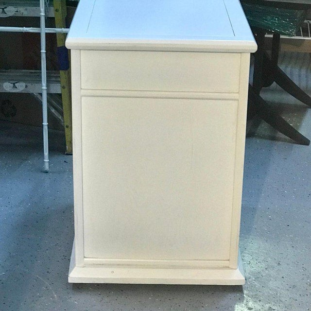 Pair of Moderage Sculptural Parzinger White Lacquered King Size Nightstands For Sale - Image 12 of 13