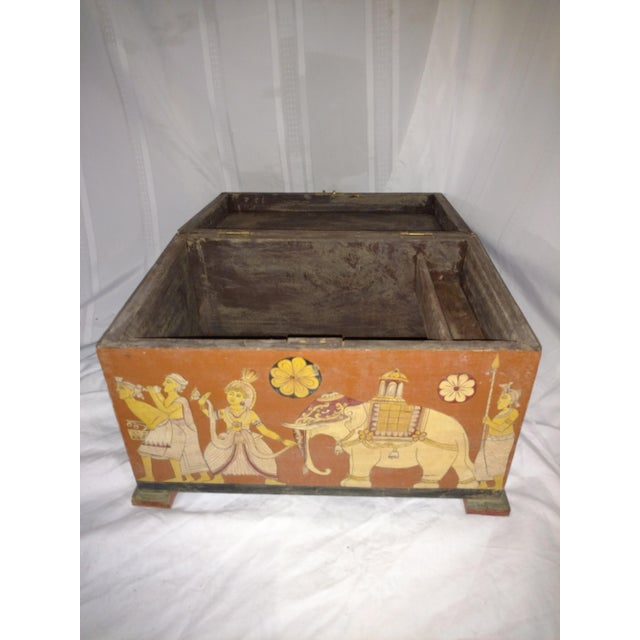 Asian Antique Tea Chest Sri Lanka/Ceylonese Royal Procession Hand Painted For Sale - Image 3 of 12