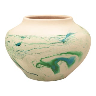 Nemadji Marbled Pottery Vase For Sale