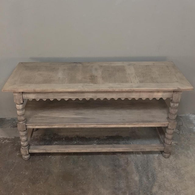 Early 19th Century Rustic Renaissance Stripped Oak Counter For Sale In Baton Rouge - Image 6 of 13
