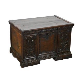 Antique 18th Century Carved Italian Renaissance Lidded Chest Coffer For Sale