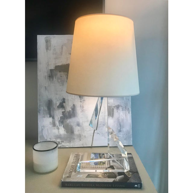 Modern Visual Comfort Thomas O'Brien Abstract Origami Crystal Glass Table Lamp For Sale - Image 3 of 5