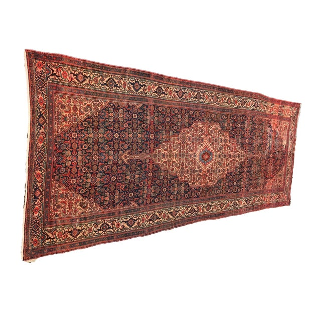 Boho Chic 19th Fereghan / Saruk Palace Size Rug For Sale - Image 3 of 13