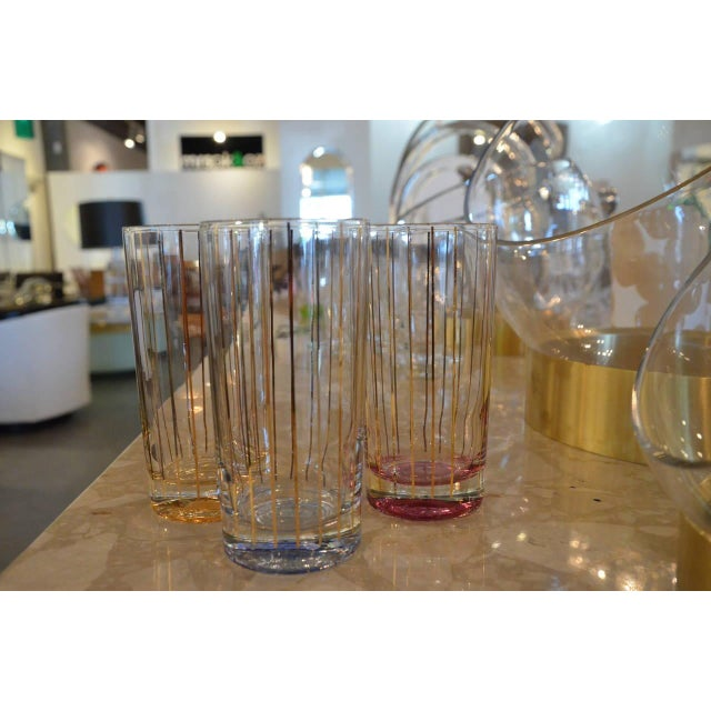 Set of Eight Mid-Century Gold Stripe Tom Collins Glasses with Brass Caddy - Image 6 of 6